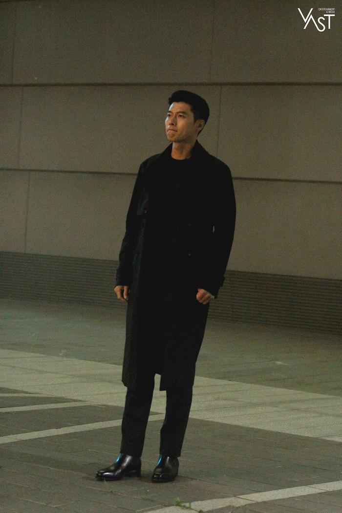 Hyun Bin đẹp đến mức nào mà khiến Son Ye Jin mê mẩn 23