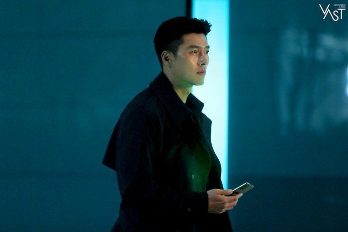 Hyun Bin đẹp đến mức nào mà khiến Son Ye Jin mê mẩn 28