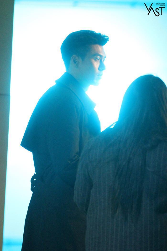 Hyun Bin đẹp đến mức nào mà khiến Son Ye Jin mê mẩn 29