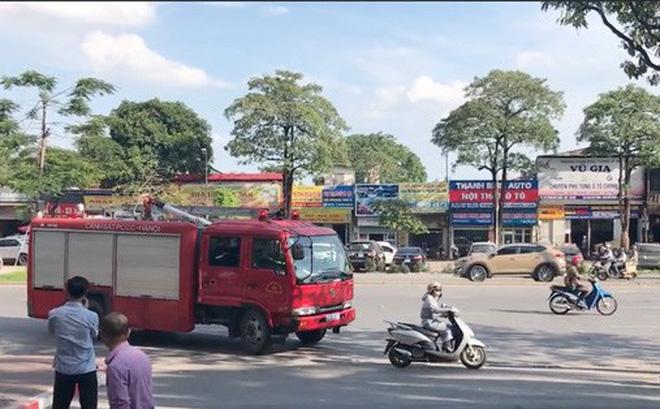 Hà Nội: Chị ninja lạnh lùng tạt đầu khiến xe cứu hỏa phanh gấp giữa đường 0