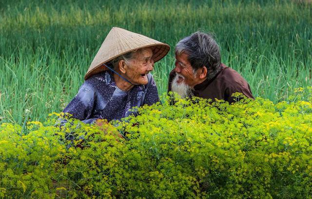 Được hỏi 'tình yêu là gì', nhiếp ảnh gia người Việt và đồng nghiệp liền đáp lại bằng loạt ảnh ấn tượng 0