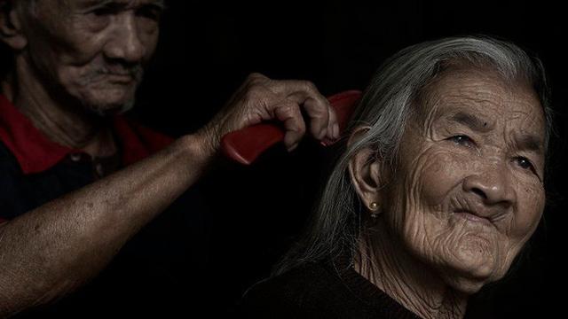 Được hỏi 'tình yêu là gì', nhiếp ảnh gia người Việt và đồng nghiệp liền đáp lại bằng loạt ảnh ấn tượng 9