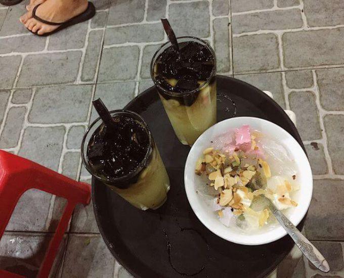 Đi ăn chè nổi tiếng phố cổ, nhóm bạn bị đuổi thẳng vì '5 người gọi 3 cốc' nhưng diễn biến sau đó mới thật bất ngờ 1