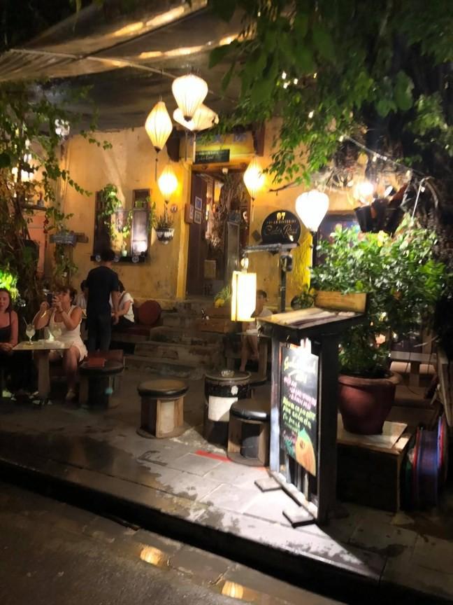 Một góc quán cà phê Cyclo's Road Hội An.