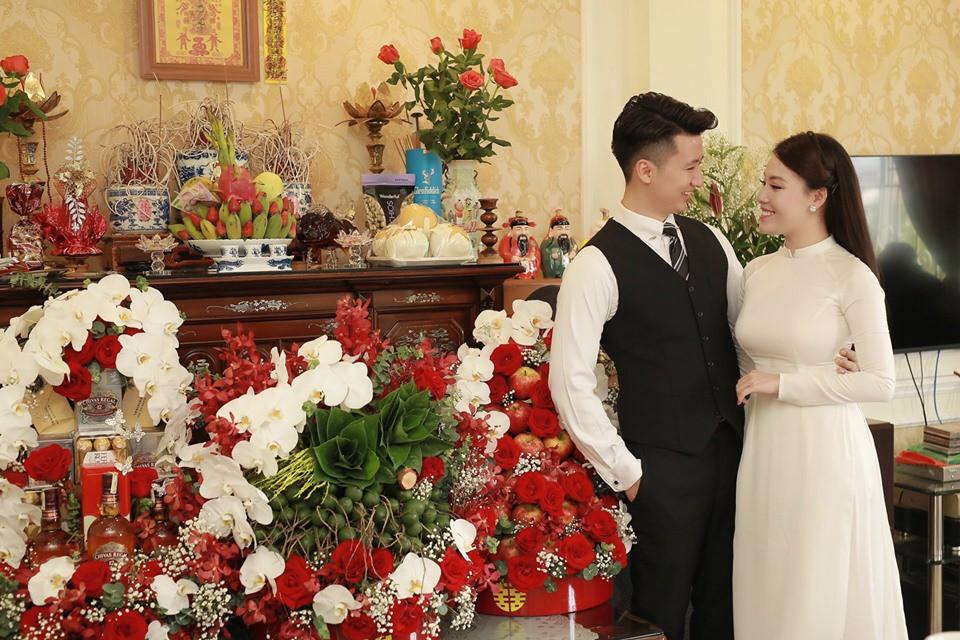 Hóa ra trước khi có màn cầu hôn lãng mạn ở Paris, nữ giảng viên Âu Hà My đã làm lễ dạm ngõ rình rang rồi 8