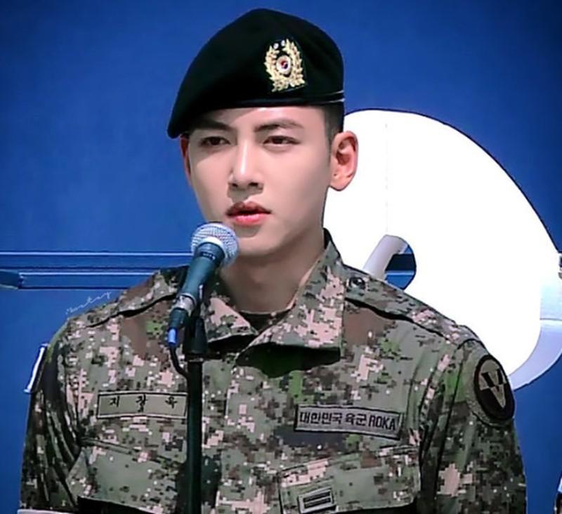 Ji Chang Wook, xuất ngũ hồi tháng 5/2019. Trong thời gian quân ngũ anh vinh dự được chọn vào loạt vai chính trong vở nhạc kịch kỉ niệm 70 năm thành lập quân đội Hàn Quốc. Dự án mới nhất sau khi trở lại của chàng trai vạn người mê là bộ phim Melting Me Softly