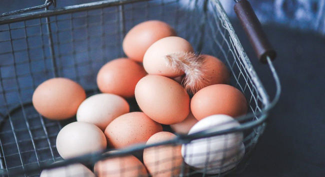 Tuy nhiên, khi ăn quả trứng thứ 42 thì bi kịch bất ngờ ập đến với ông Yadav.