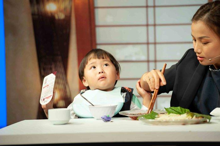 Quỳnh Trần JP lần đầu tiết lộ ý nghĩa tên 'bé Sa' và điều từng làm mỗi đêm vì nỗi ám ảnh mất con 4