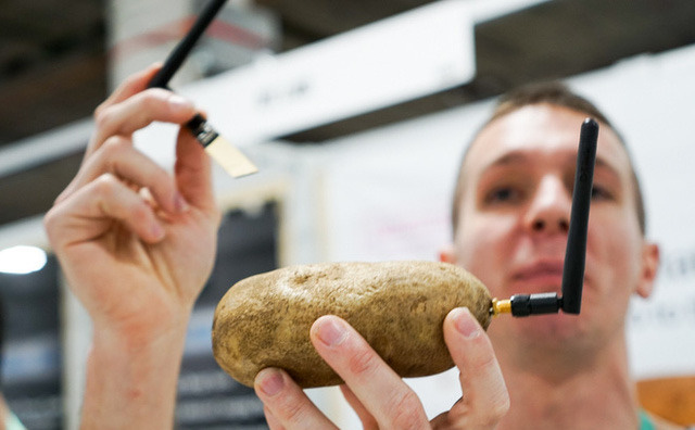 Dạo một vòng CES 2020 bắt gặp startup rao bán khoai tây 'thông minh' 2