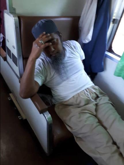 Ông Anan bị ho liên tục, nôn mửa nhiều lần khi trên tàu.