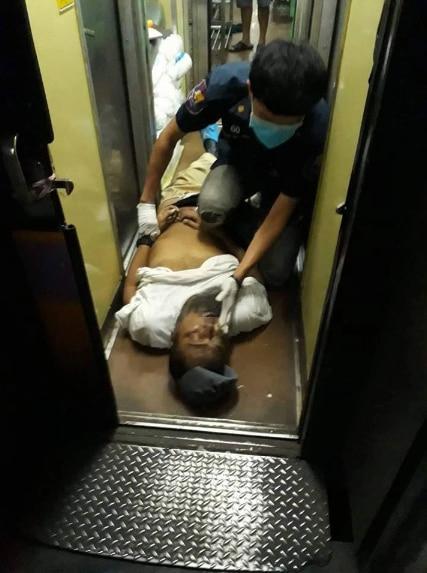 Ông Anan chết gục trên tàu, ngay trước cửa nhà vệ sinh.