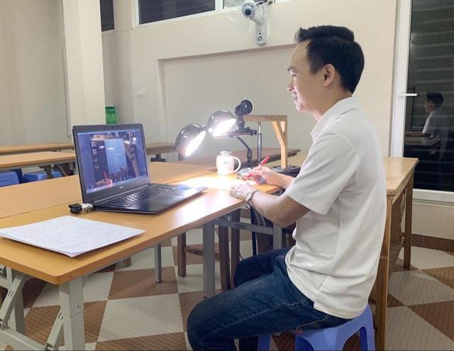 Thầy Trần Mạnh Tùng, Giáo viên Toán Trường THCS&THPT Lương Thế Vinh (Hà Nội) cho rằng, đề thi minh họa môn Toán tương đối dễ. Ảnh: Q.A