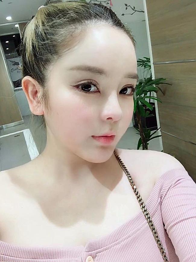 Mẹ Việt 2 con chi gần 1 tỷ đồng cho 8 cuộc phẫu thuật nâng cấp dung mạo, được trang báo Hàn đình đám Dispatch bất ngờ đưa lên trang nhất và gọi là 'nữ thần' 2