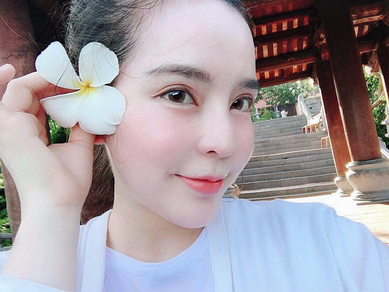 Mẹ Việt 2 con chi gần 1 tỷ đồng cho 8 cuộc phẫu thuật nâng cấp dung mạo, được trang báo Hàn đình đám Dispatch bất ngờ đưa lên trang nhất và gọi là 'nữ thần' 7