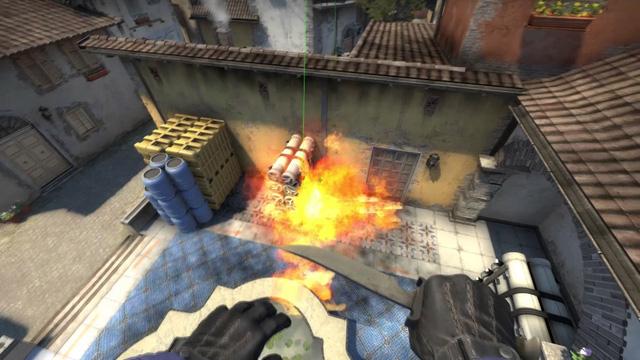 Để có thể ném được những quả bom chính xác và hiệu quả trong CS:GO thì bạn phải luyện tập rất nhiều