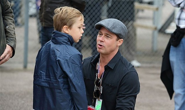Brad Pitt và con trai trong một lần đoàn tụ hậu ly hôn.