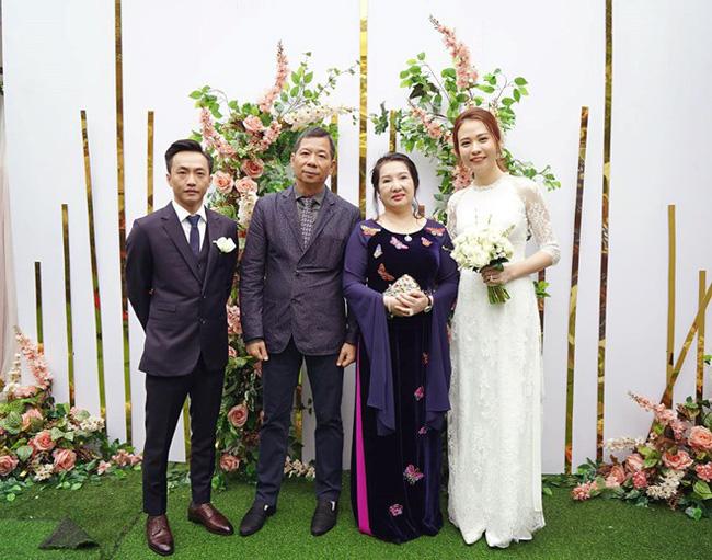 Vợ chồng doanh nhân Như Loan đích thân về Lạng Sơn hỏi vợ cho con trai.