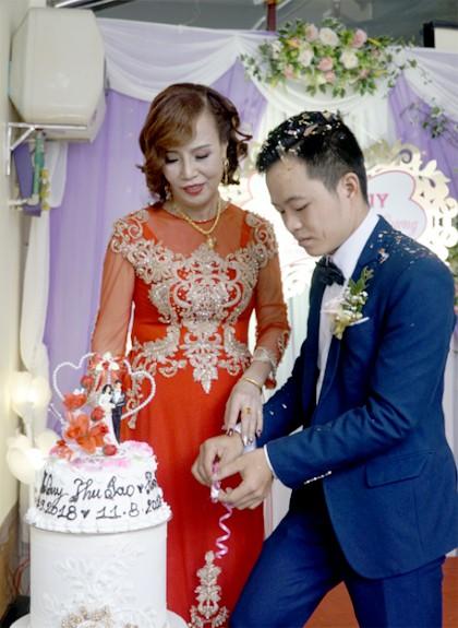 Cặp đôi Thu Sao và Triệu Hoa Cương tổ chức đám cưới vào tháng 9/2018.