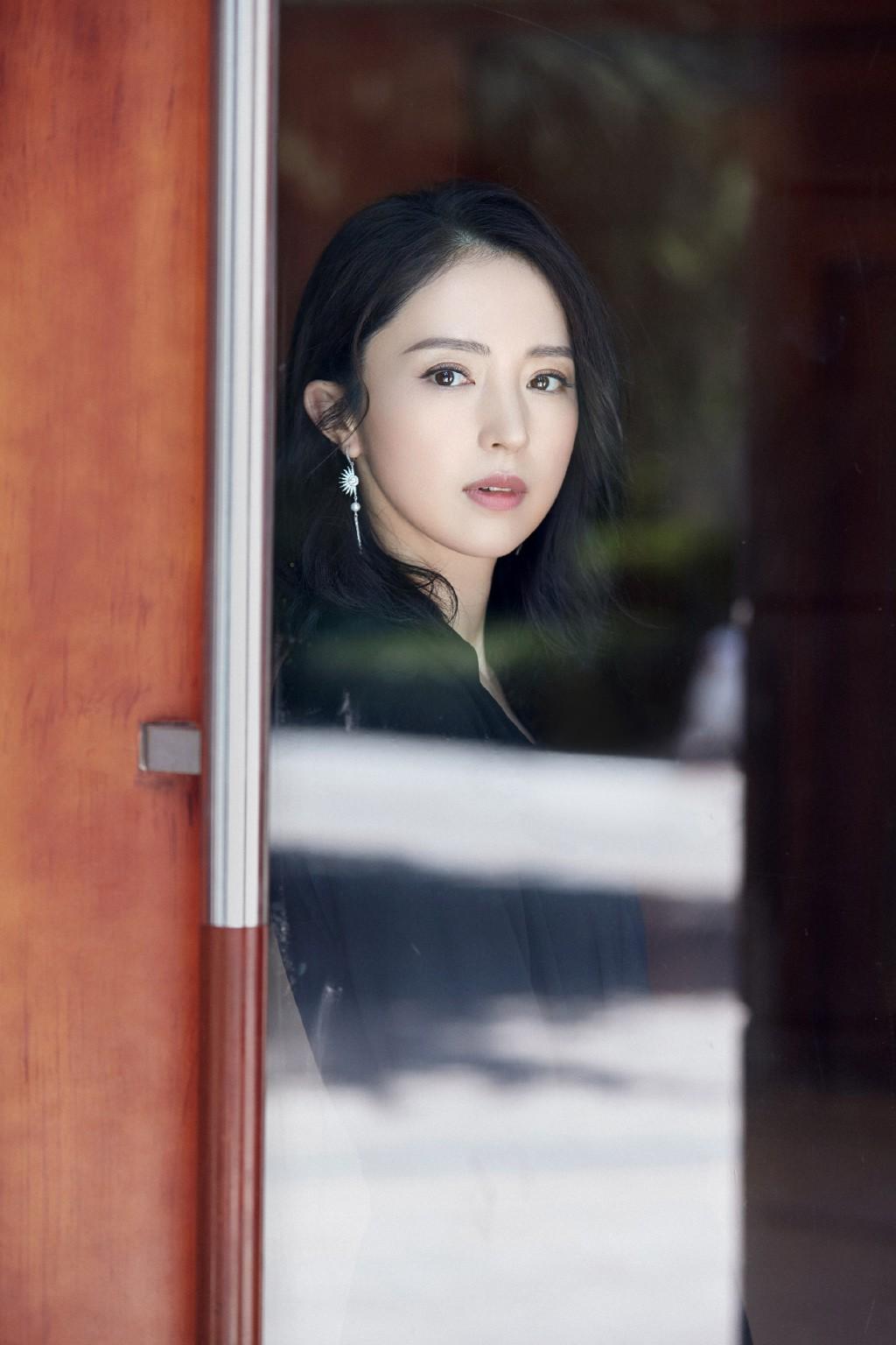 Netizen xứ Trung đồng loạt ủng hộ Đổng Tuyền ly hôn.