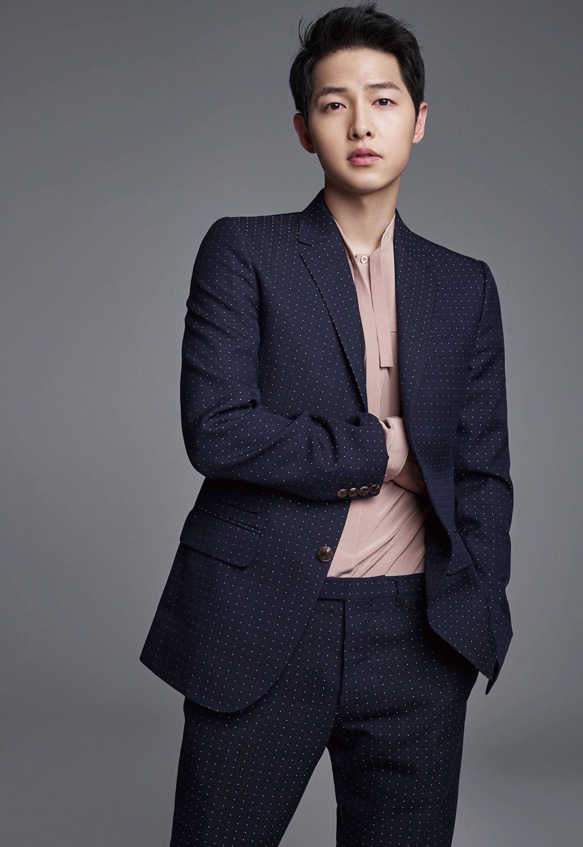 Hậu ly hôn, Song Joong Ki chứng tỏ sức hút chẳng kém cạnh Song Hye Kyo khi nghiễm nhiên lọt top 'nam thần' Hàn Quốc 0