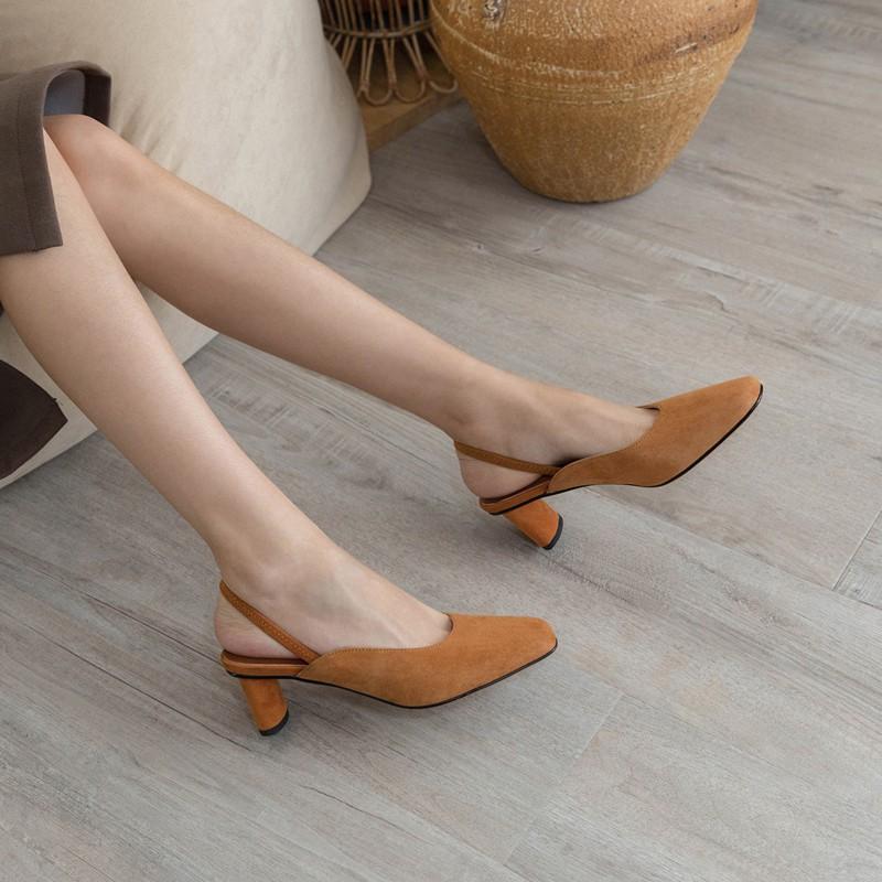 4 mẫu giày tưởng 'lùn' mà lại vẫn hack dáng tôn chân, hội chị em không sắm ngay thì quá phí 0