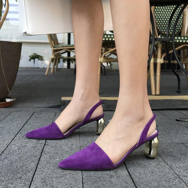 4 mẫu giày tưởng 'lùn' mà lại vẫn hack dáng tôn chân, hội chị em không sắm ngay thì quá phí 1