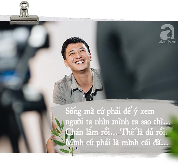 Một Huỳnh Anh rất 'khác' sau thời Hoàng Oanh: 'Trai hư' phóng túng nhưng lại ngượng ngùng khi nói về tình mới! 7