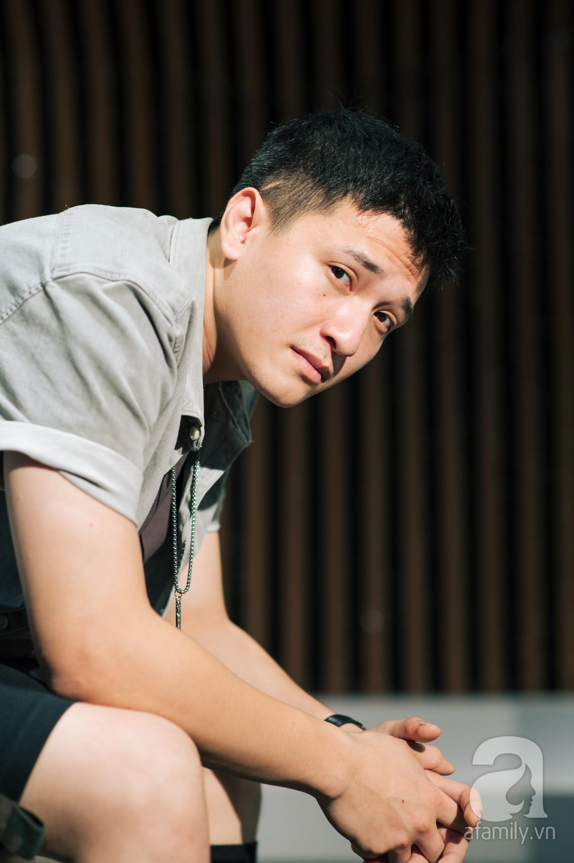 Một Huỳnh Anh rất 'khác' sau thời Hoàng Oanh: 'Trai hư' phóng túng nhưng lại ngượng ngùng khi nói về tình mới! 11
