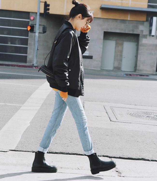 Ngắm 12 set đồ sau, các nàng sẽ nhận ra quần jeans + boots chính là cặp đôi giúp vẻ ngoài đạt 100% sành điệu 1