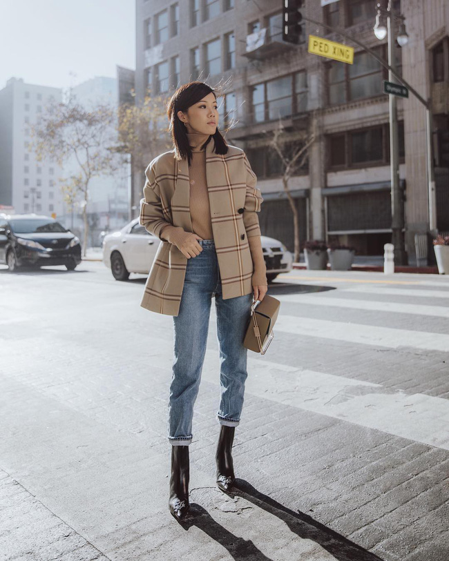 Ngắm 12 set đồ sau, các nàng sẽ nhận ra quần jeans + boots chính là cặp đôi giúp vẻ ngoài đạt 100% sành điệu 4