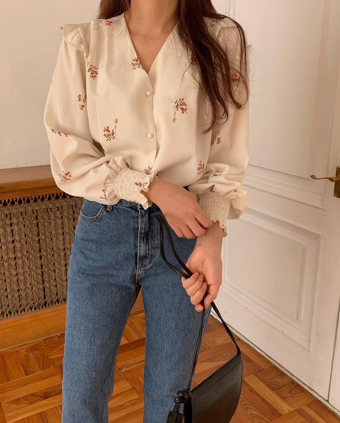 Quên quần áo dày dặn mùa lạnh đi, nàng công sở cứ sắm 5 items này là đủ mặc đẹp từ Xuân sang Hè 1