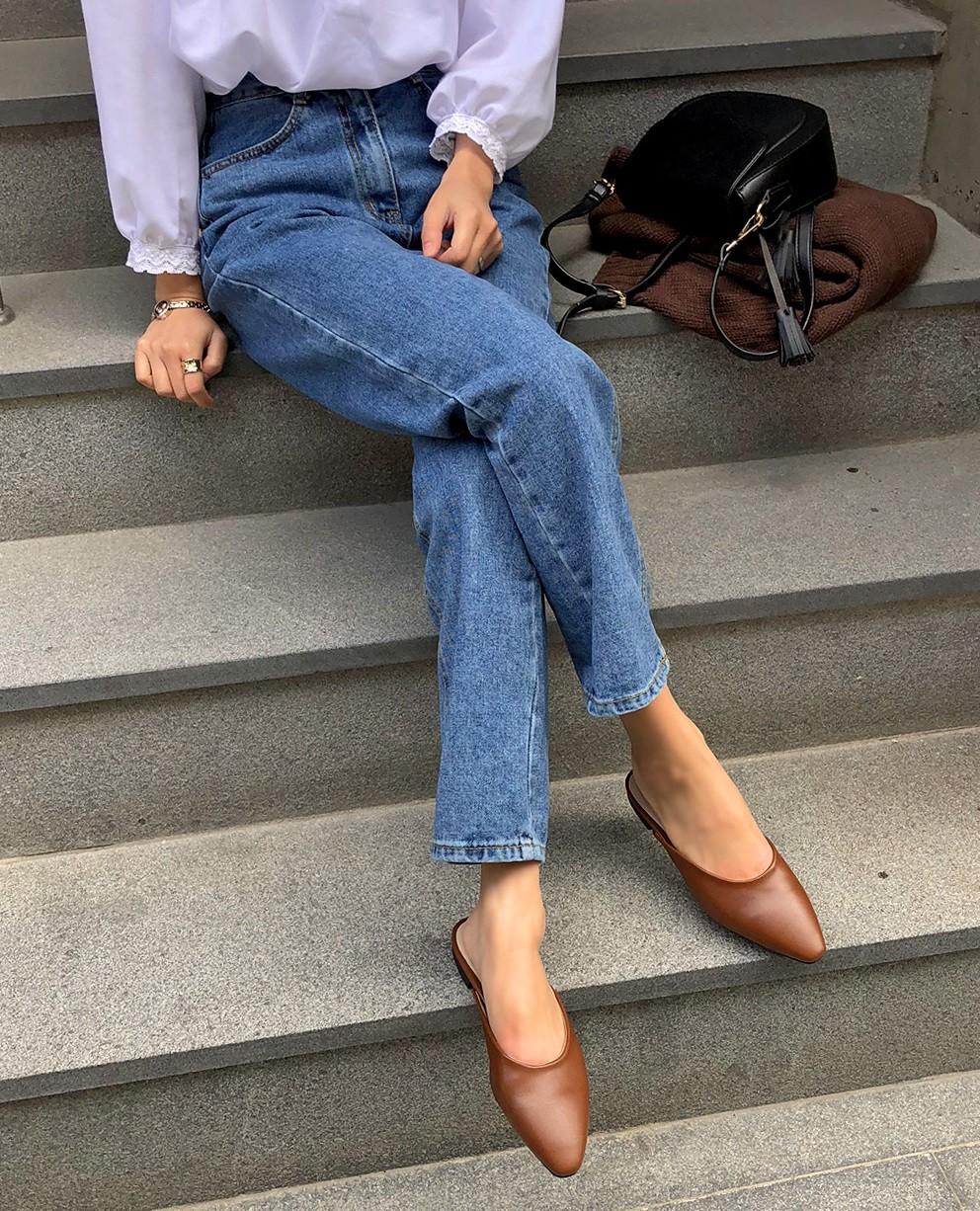 Quên quần áo dày dặn mùa lạnh đi, nàng công sở cứ sắm 5 items này là đủ mặc đẹp từ Xuân sang Hè 10