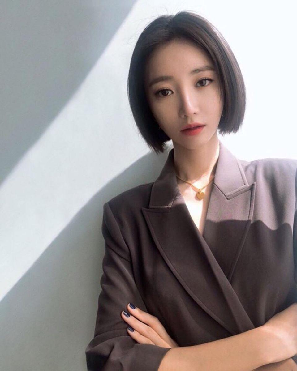 Tìm kiếm cho mình một kiểu tóc ngắn hack tuổi, bạn không thể bỏ qua 5 gợi ý từ các mỹ nhân xứ Hàn 7