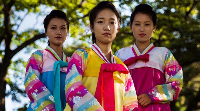 Báo chí nước ngoài từng bất ngờ khi biết phụ nữ và nam giới Triều Tiên làm tóc theo đúng 15 kiểu được quy định 9