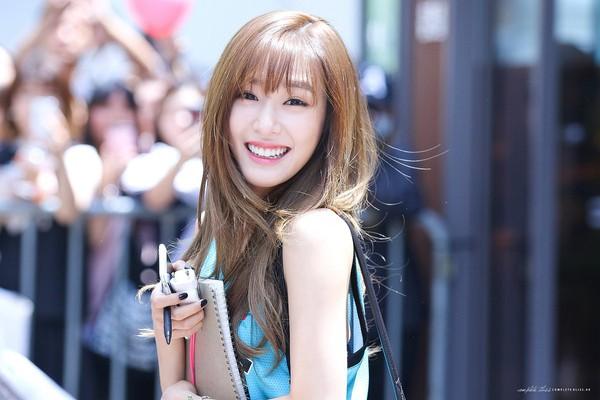 Rời SNSD, Tiffany tẩy tóc vàng hoe lột xác trở thành sao Mỹ chính hiệu 1