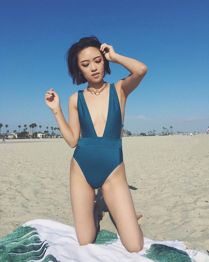 Bạn sẽ tiếc hùi hụi nếu không sắm 3 thiết kế đồ bơi liền tôn dáng cực đỉnh này cho hè 2019 5