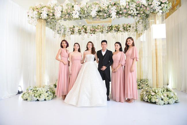 Lộ thêm loạt ảnh cưới đẹp như mơ của Lê Hà - The Face và ông xã đại gia điển trai 1