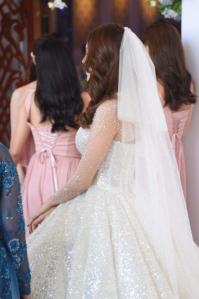 Lộ thêm loạt ảnh cưới đẹp như mơ của Lê Hà - The Face và ông xã đại gia điển trai 2
