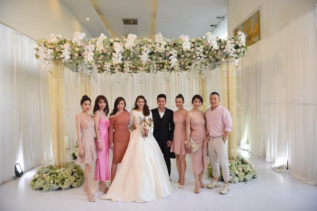 Lộ thêm loạt ảnh cưới đẹp như mơ của Lê Hà - The Face và ông xã đại gia điển trai 0