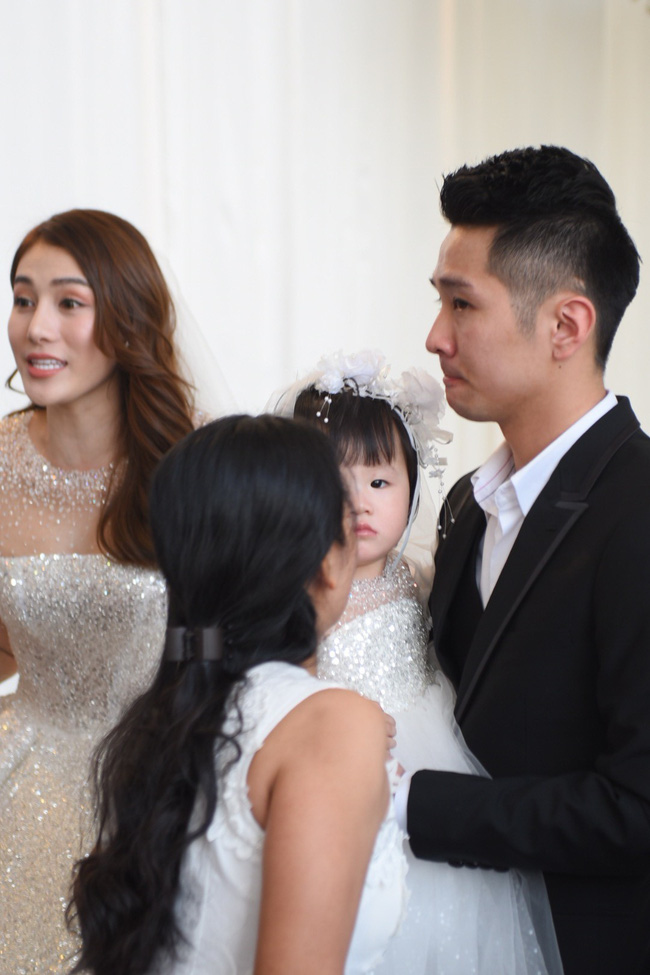 Lộ thêm loạt ảnh cưới đẹp như mơ của Lê Hà - The Face và ông xã đại gia điển trai 5