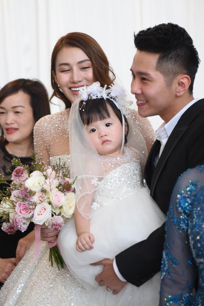 Lộ thêm loạt ảnh cưới đẹp như mơ của Lê Hà - The Face và ông xã đại gia điển trai 4
