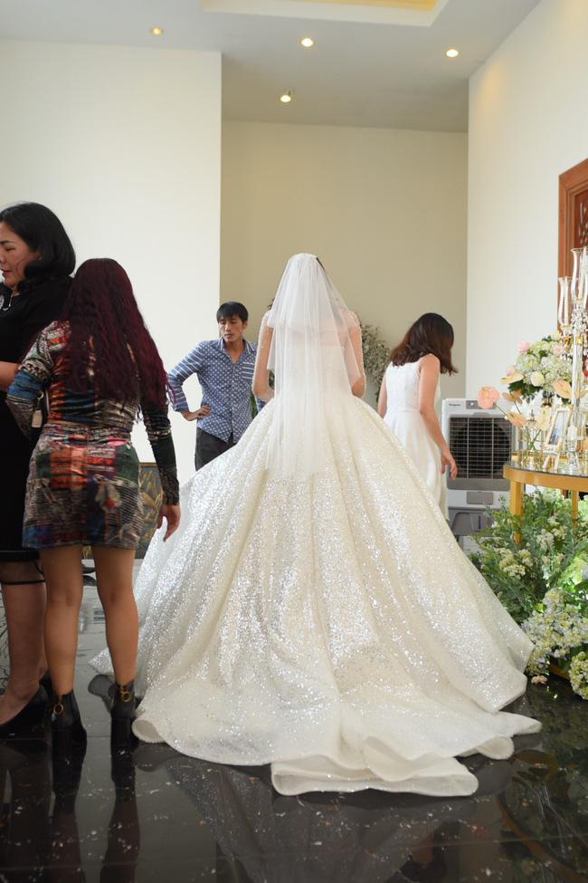 Lộ thêm loạt ảnh cưới đẹp như mơ của Lê Hà - The Face và ông xã đại gia điển trai 3