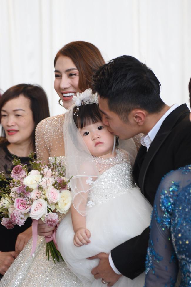 Lộ thêm loạt ảnh cưới đẹp như mơ của Lê Hà - The Face và ông xã đại gia điển trai 6