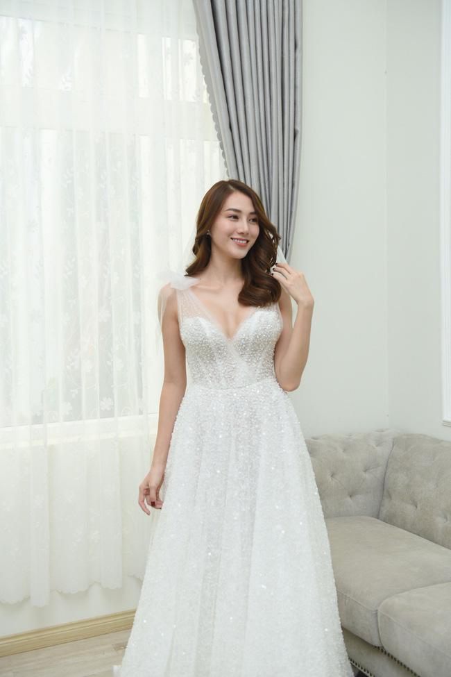 Lộ thêm loạt ảnh cưới đẹp như mơ của Lê Hà - The Face và ông xã đại gia điển trai 11