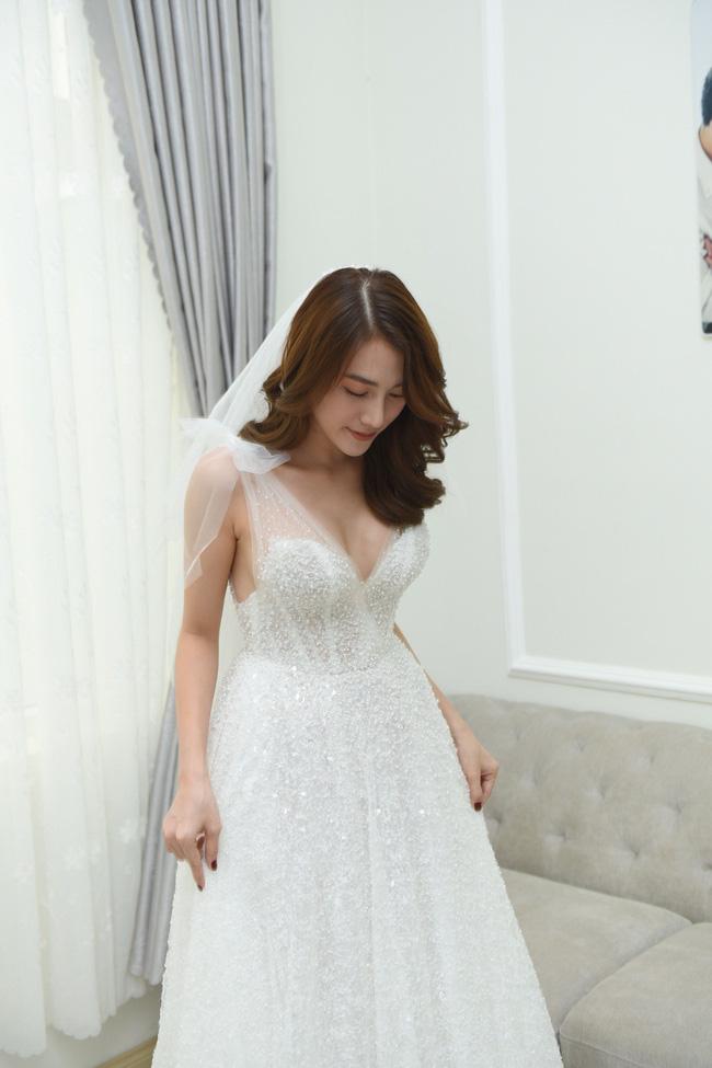 Lộ thêm loạt ảnh cưới đẹp như mơ của Lê Hà - The Face và ông xã đại gia điển trai 13