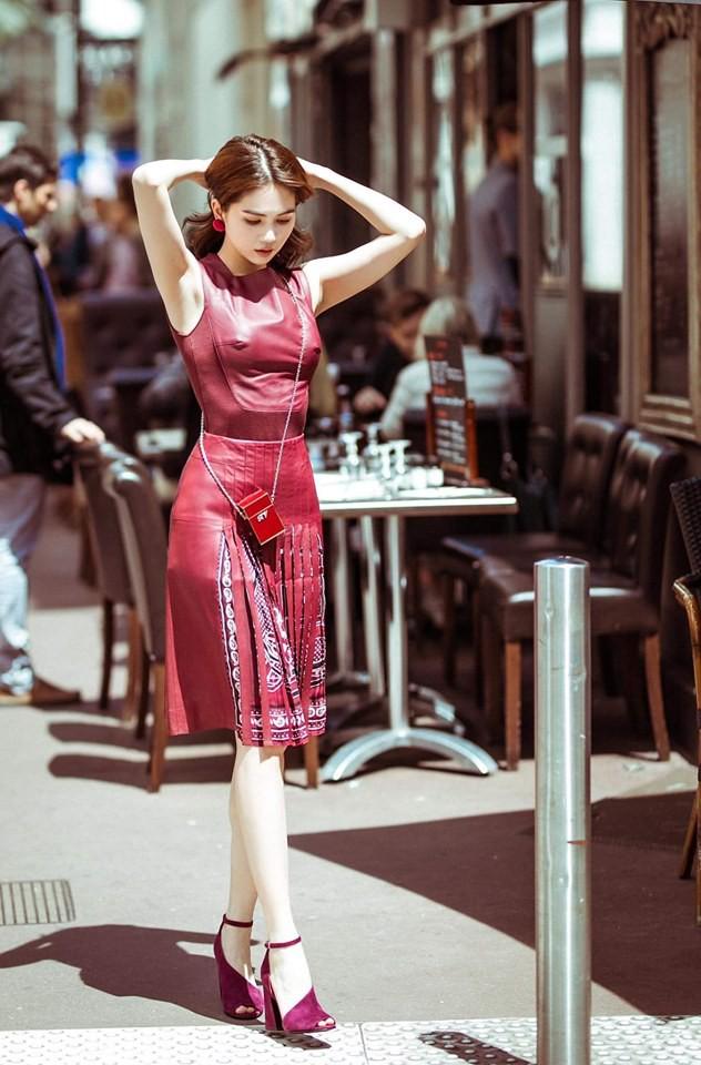 Stylist bộ đầm thị phi mà Ngọc Trinh mặc tại Cannes: 'Lúc chị gửi trang phục cho xem là tay chân lạnh ngắt rồi' 2