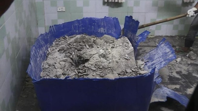 Bồn nước chứa bê tông, nơi phát hiện thi thể.