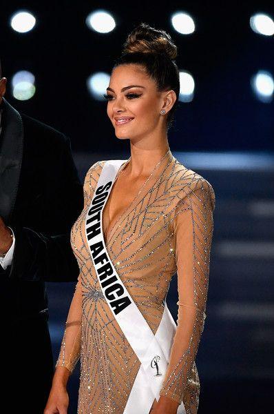 Cô đã chinh phục được ban giám khảo và mang về chiếc vương miện ngọc trai về cho quê hương.