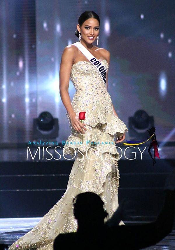 Á hậu 2 Miss Universe 2016 người Colombia -Andrea Tovar trong mái tóc búi bổ luống sang trọng.