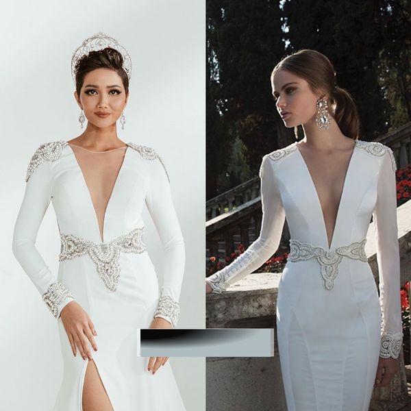 'Tay bay vạ gió', các thiết kế trước đây của top 5 Hoa hậu Hoàn vũ vô tình bị bóc mẽ trên các diễn đàn về thời trang.